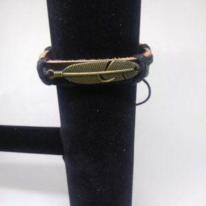 New unisex Leather Feather Bracelet